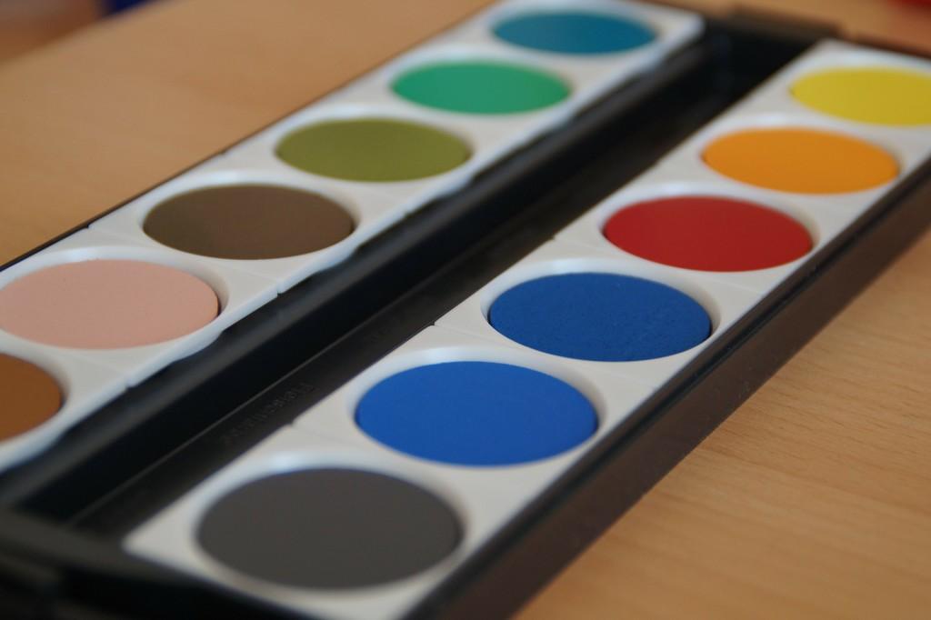 paint-boxes-186904_1920